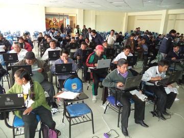 Maestros rindieron prueba para los cargos educativos