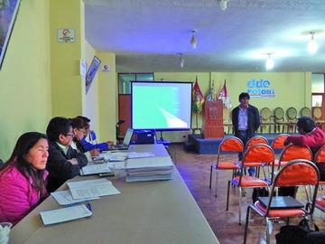 Postulantes a cargos educativos terminan la defensa de proyectos