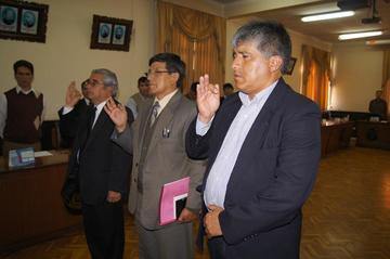 El Consejo posesiona a dos directores y a un decano en la UATF