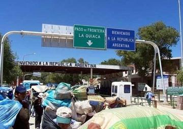Aduana y Regimiento Chichas atrapan 11 camiones con contrabando