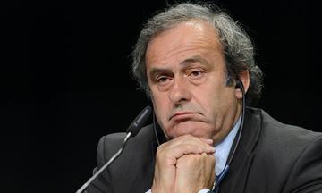 Blatter y Platini conocerán hoy la resolución de FIFA