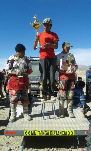 Rengifo se corona en la carrera de motociclismo de Uyuni