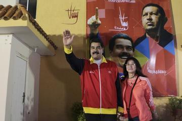 Nicolás Maduro y su esposa son denunciados por delitos penales