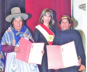 Condecoran a 25 mujeres de las cooperativas mineras