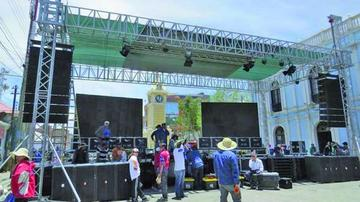 Uyuni alista una gran fiesta para recibir al Dakar