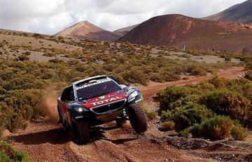 Peugeot copa el podio y Barreda vuelve a perder