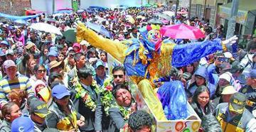 El pepino está vivo en Carnaval paceño