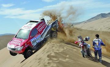 En su octava etapa el Dakar entra al terreno de las dunas