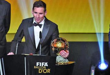 Messi gana el Balón de Oro por quinta vez