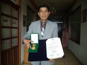 Colegio Pichincha recibe un reconocimiento de Diputados