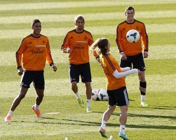 Real y Atlético no podrán fichar hasta 2017