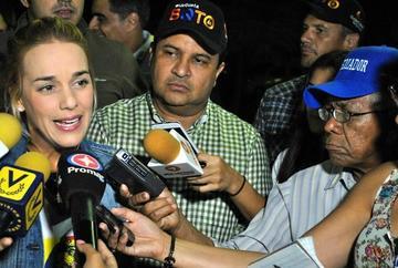 Exigen destituir a coronel acusado de vejar a la familia de Leopoldo López