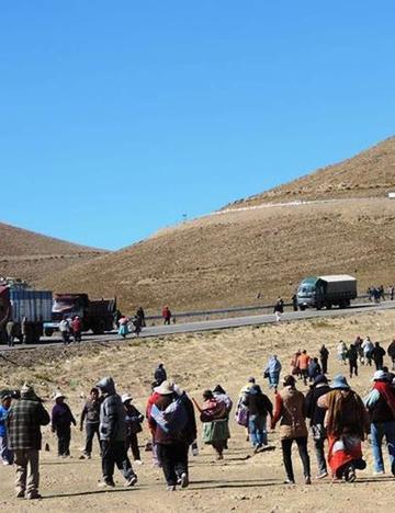 Los cotagaiteños hacen  pausa y abren carretera