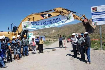 Gobierno inicia obras de asfaltado de carretera Cieneguillas-Tinguipaya