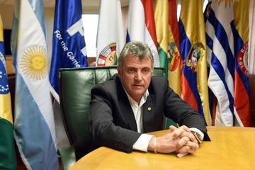 Valdez informará hoy si renuncia a la candidatura de la Conmebol