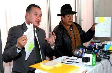 Senador del MAS recibió dinero del Fondo con 2 carnés distintos