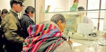 Cajeros se apropiaban de dinero de ancianos