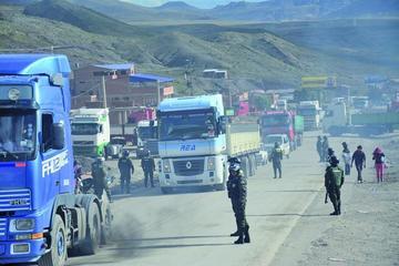 Transportistas declaran cuarto intermedio y abren los caminos