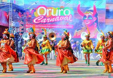 Rinden homenaje al Carnaval de Oruro