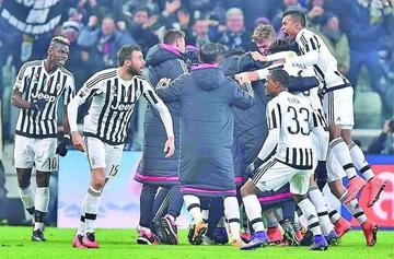 Juventus vence a Napoli y es líder de la Serie A italiana