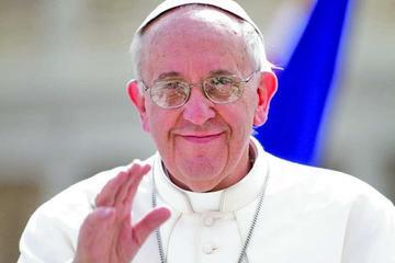 """El papa pide parar a los """"traficantes de muerte"""""""