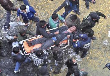 La quema del edificio municipal en El Alto deja seis muertos
