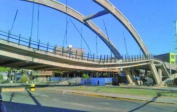 Postergan por tres meses la demolición de un puente
