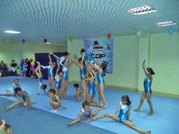 Festival muestra el potencial de gimnastas potosinos