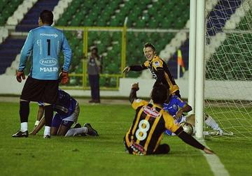 El Tigre se impone 3-2 a Blooming