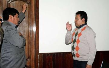 Gobernador posesiona al nuevo director del Sedede