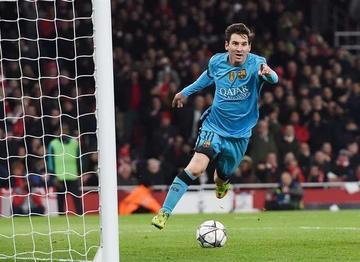 Messi marca el gol 10.000 del Barcelona