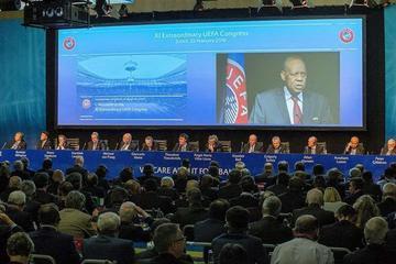 """La FIFA elige presidente y emprende su """"refundación"""""""