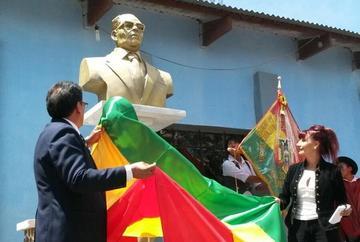 Tupiza: Comunidad de Quiriza homenajea con un busto a José Luis San Juan