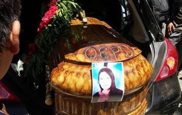 Piden indemnizar a hijas de mujer asesinada por pitbulls