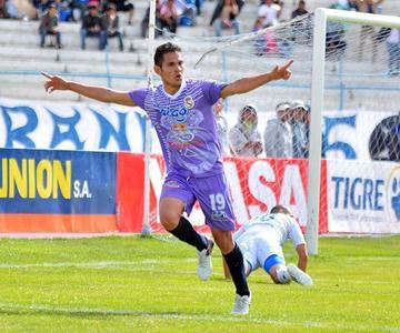 Real gana en Oruro y sale del último lugar