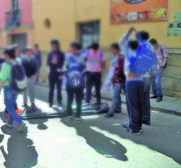 Los alumnos de colegio Manzano  hacen vigilia