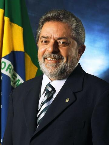 Rousseff posesiona a Lula como nuevo ministro de la Presidencia