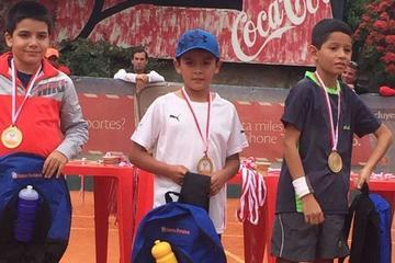 Potosino logra el título en el nacional de tenis