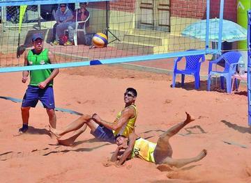 Sucre y Cochabamba ganan en el Circuito de voleibol de playa