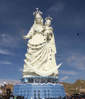 Refaccionan monumento de la Virgen del Socavón