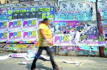 Los comicios en Perú se centran en quién irá a la segunda vuelta
