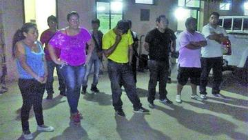 Felcn captura a seis falsos policías que robaban droga