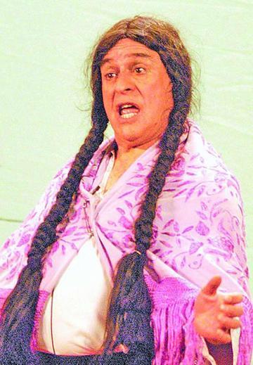 Santalla regresa al escenario con la imilla