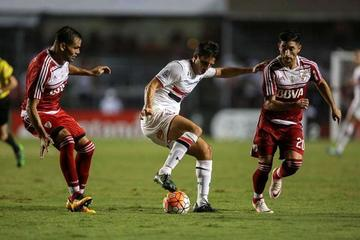 Sao Paulo vence al River Plate con doblete de Calleri