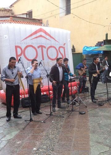 Artistas reinician la cruzada a favor de músico potosino