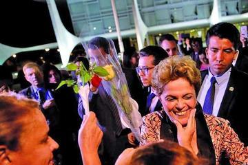 """Dilma Rousseff decide llevar su denuncia de """"golpe"""" ante la ONU"""
