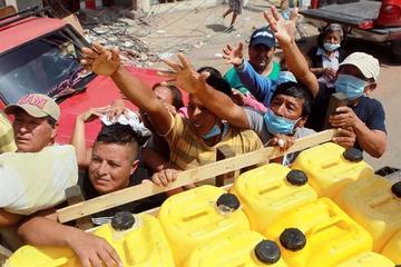 Desesperación cubre de tensión  la entrega de ayuda en Ecuador