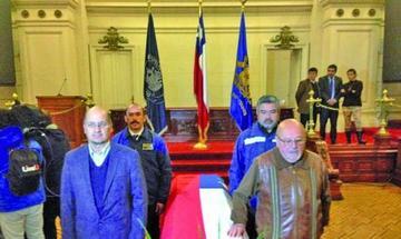 Restos de Neruda llegan a Congreso Chileno donde serán velados hoy