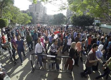 Detienen a 35 periodistas que cubrían las protestas en Egipto