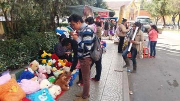 Comerciantes copan las calles del centro